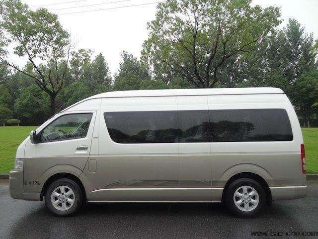 北京包车13座车型推荐-丰田海狮商务版