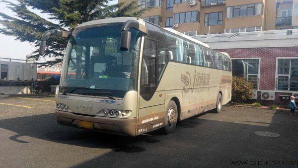 北京包车32座车型推荐-青年尼奥普兰