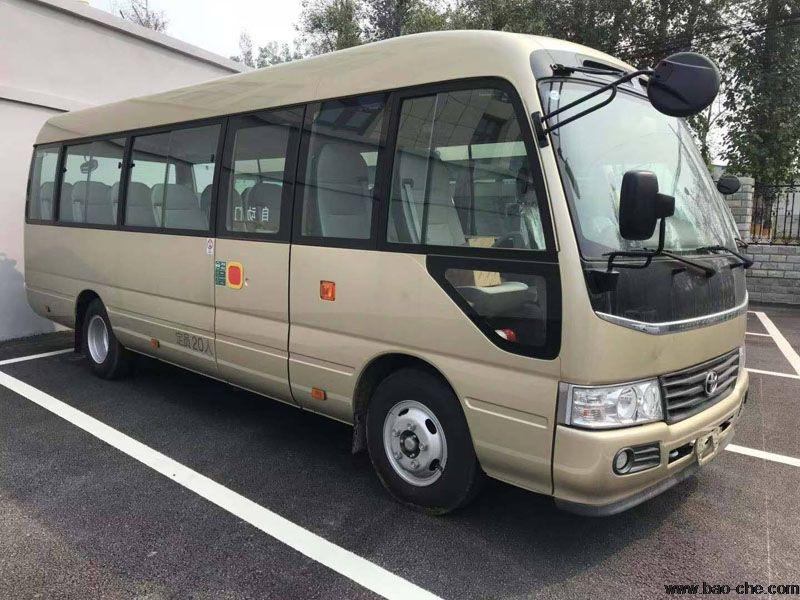 北京新月联合20座丰田考斯特中巴包车价格