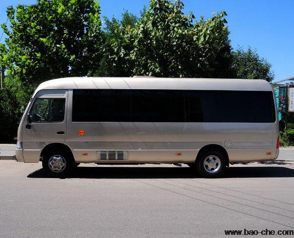 北京22座旅游中巴车包车一天多少钱?