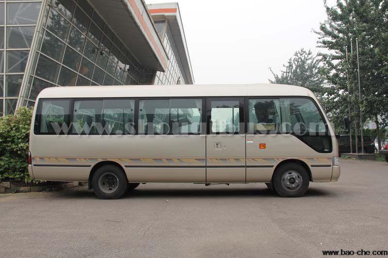 北京22座考斯特中巴车接机一趟多少钱?