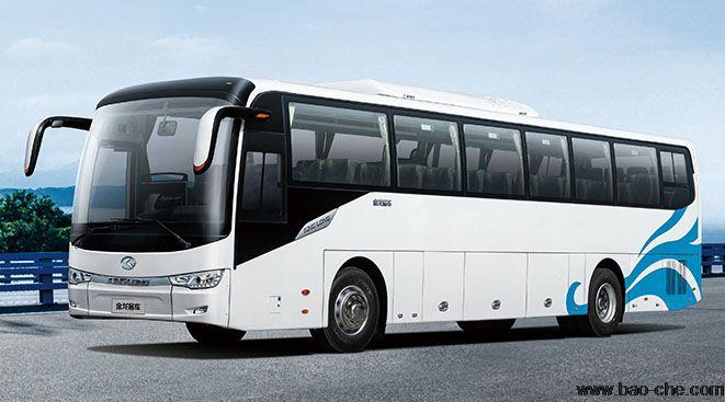 北京新月联合49+1座旅游大客包车:金龙XMQ6120C