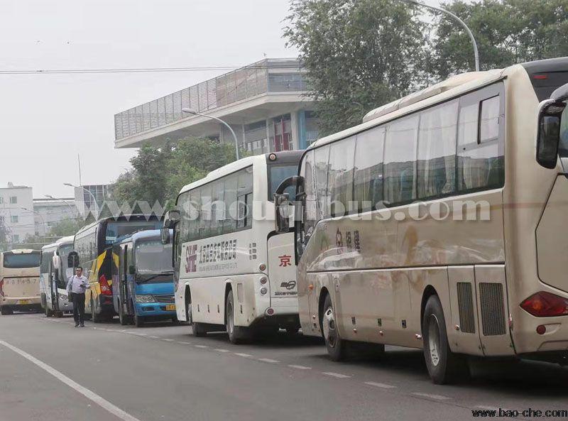 在北京旅游包车车型怎么选择,价格一样吗?