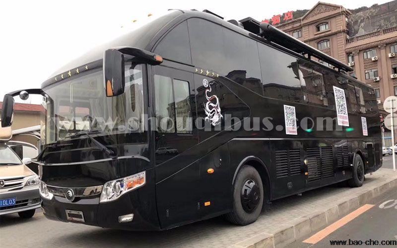 北京33座豪华大巴车租车一天价格:1800元/天
