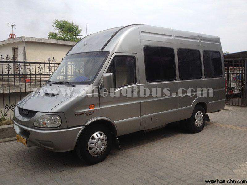 北京首汽小巴车一天租赁价格:14座都灵V