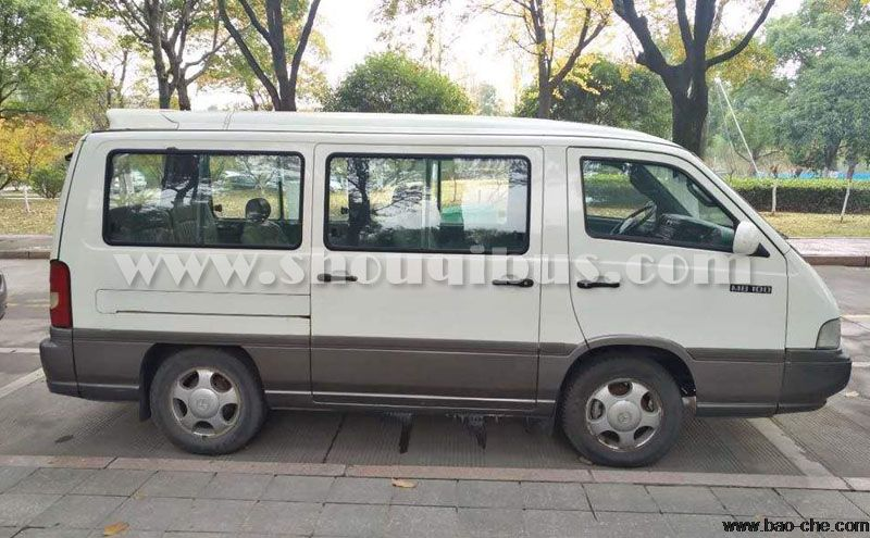 北京首汽14座奔驰MB100小巴车租车价格
