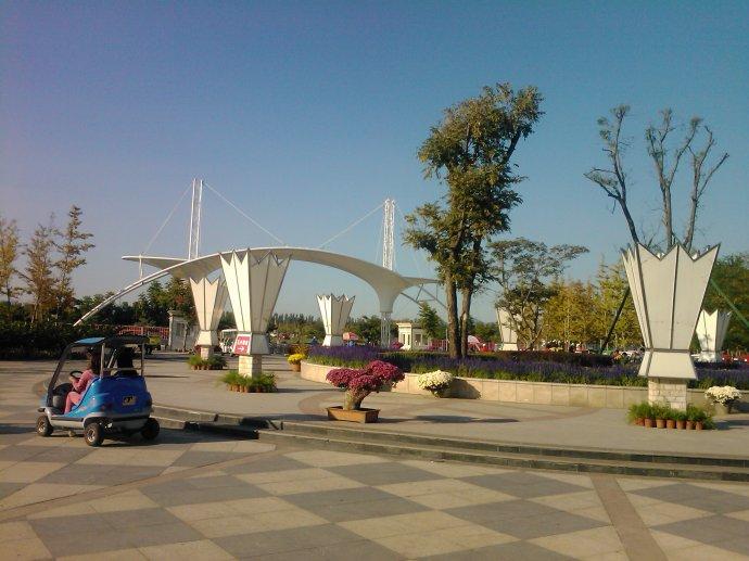 50人从北京到顺义国际鲜花港一日游包车多少钱?