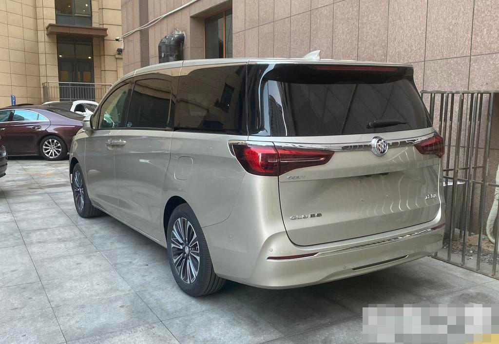 北京新款别克GL8 ES:8小时100公里包天950元