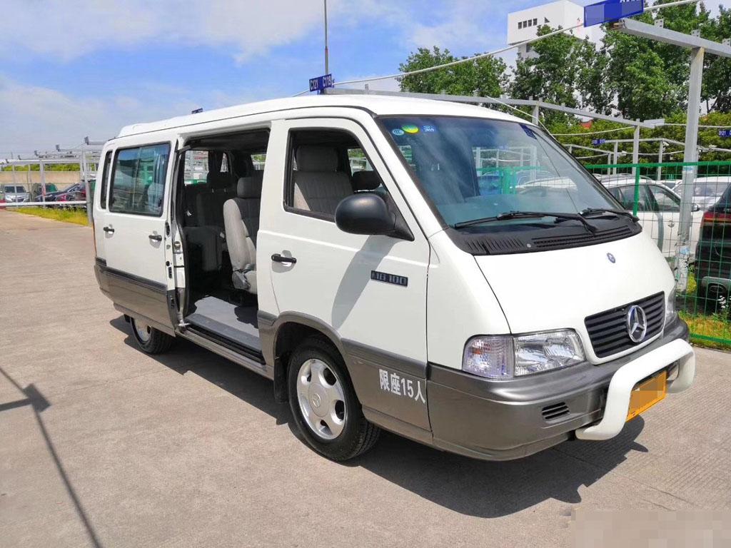 北京奔驰MB100小巴士日租:8小时100公里900元