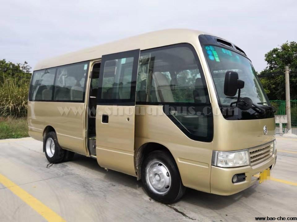 首汽中巴包车价格:19座厦门小金龙客车